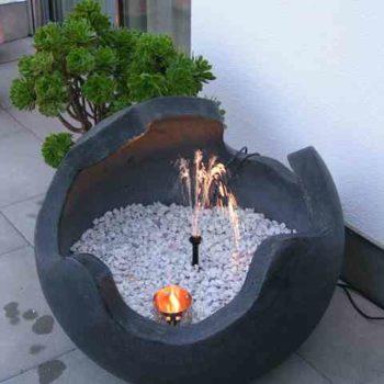 Kugel mit Springbrunnen
