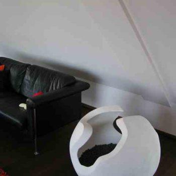 Kugel Skulptur im Haus Nische