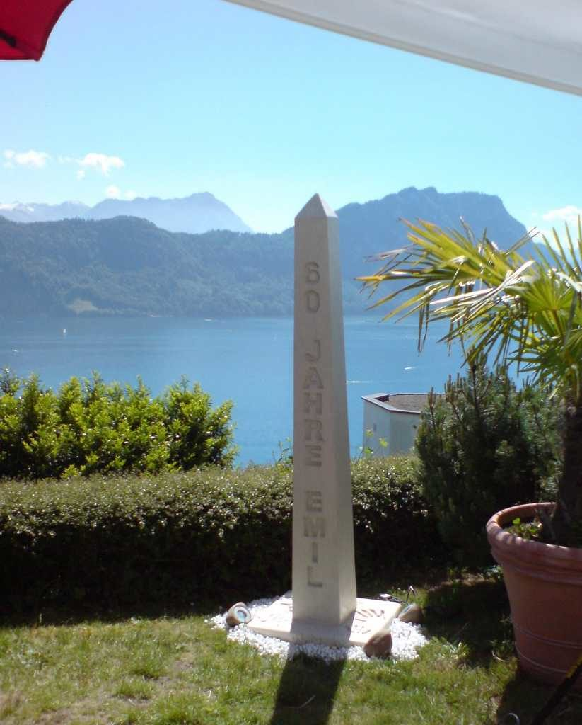 Skulptur Jubiläum, Garten in der Schweiz