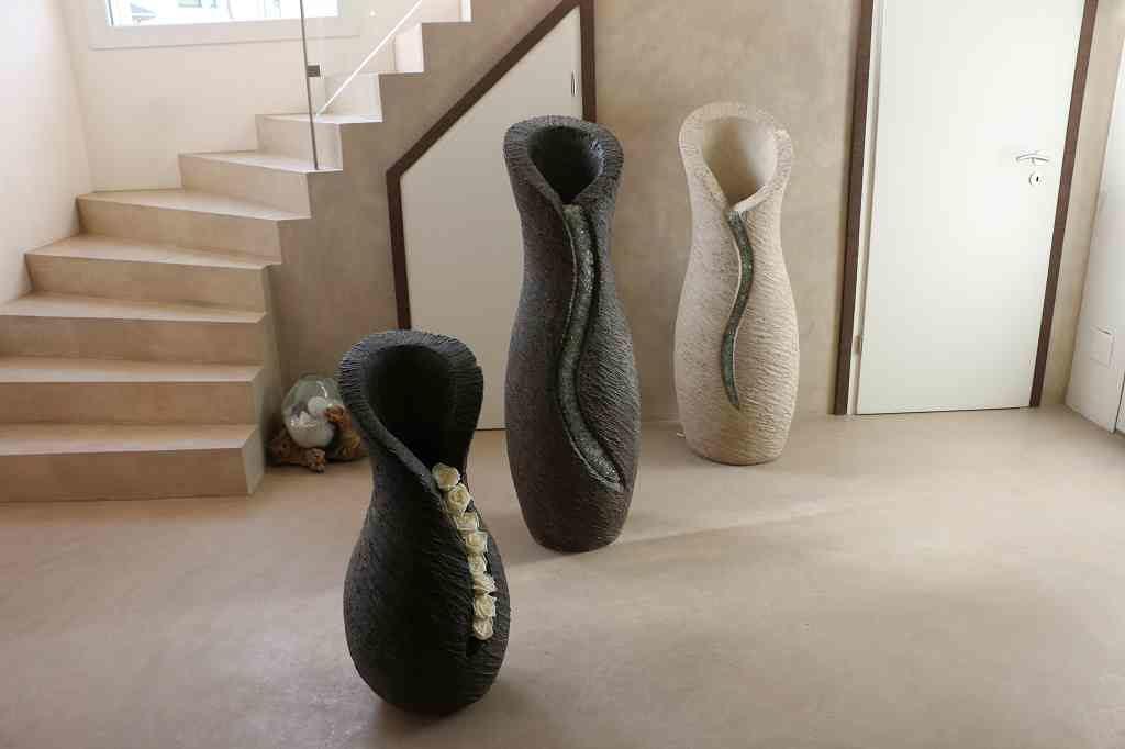 Skulpturen Amphoren hell und dunkel