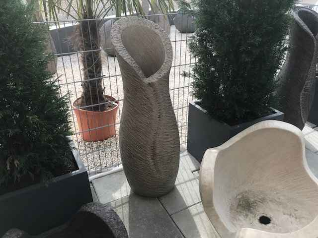 Skulptur Amphore 130m